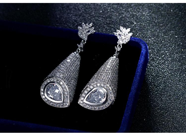 Different Styles of Solitaire Earrings to Rock Every Outfit!